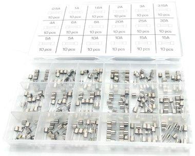 Surtido de fusibles de vidrio de soplado rapido 0,5A- 15A 180 unidades