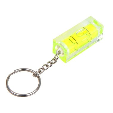 Keychain with leveller