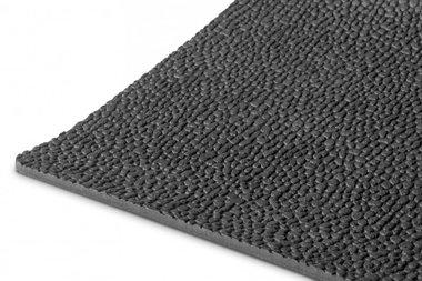 Caucho por metro lineal 1mx1200mmx3mm grano de arroz negro